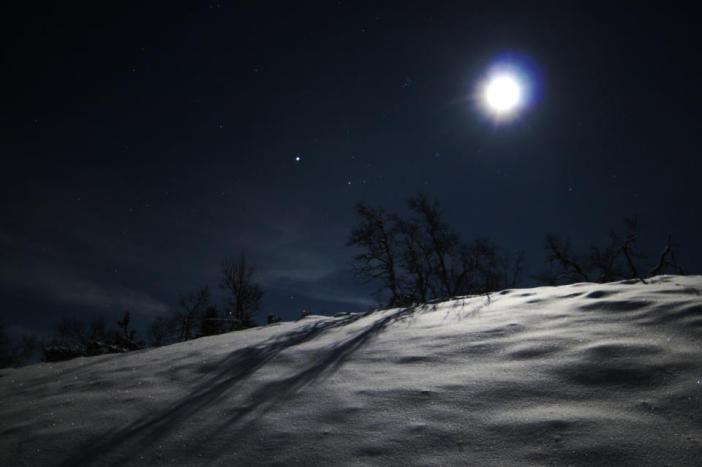 Jupiter_moon_Pleiades_snow_diamonds_Timothy_Boocock_Norway_10-30-2012